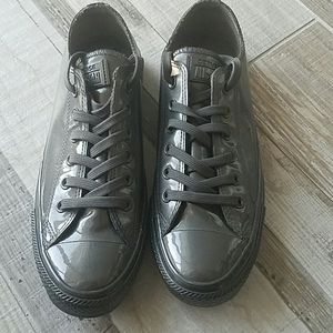 NWoT Converse grey shoe. US 9.